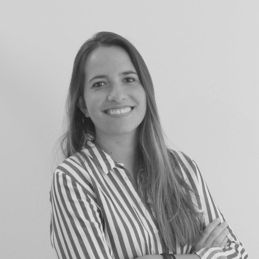 Dra Sara Camacho Clínica Dental Calas en Cádiz